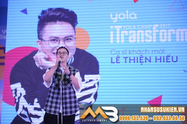 Lê Thiện Hiếu bùng cháy sân khấu cùng hội trại YOLA CAMP 2017