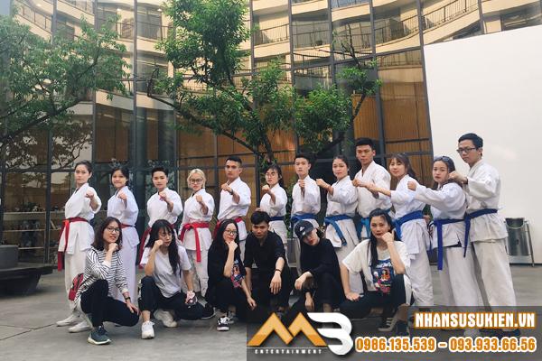 Sự kết hợp đầy bất ngờ giữa võ thuật và vũ đạo của nhân sự MB Entertainment