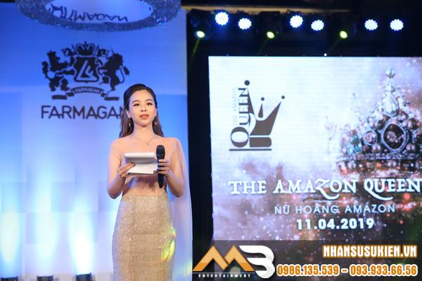 MC song ngữ Quỳnh Trúc tự tin khẳng định tài năng trên sân khấu Farmagan Launching Show